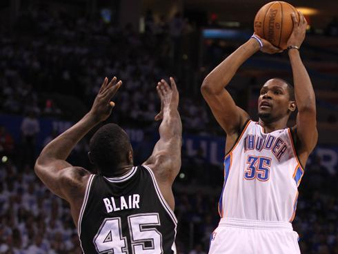 Kevin Durant shows out in the 4th