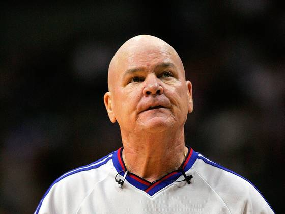 Joey Crawford disrespecting the mop boy